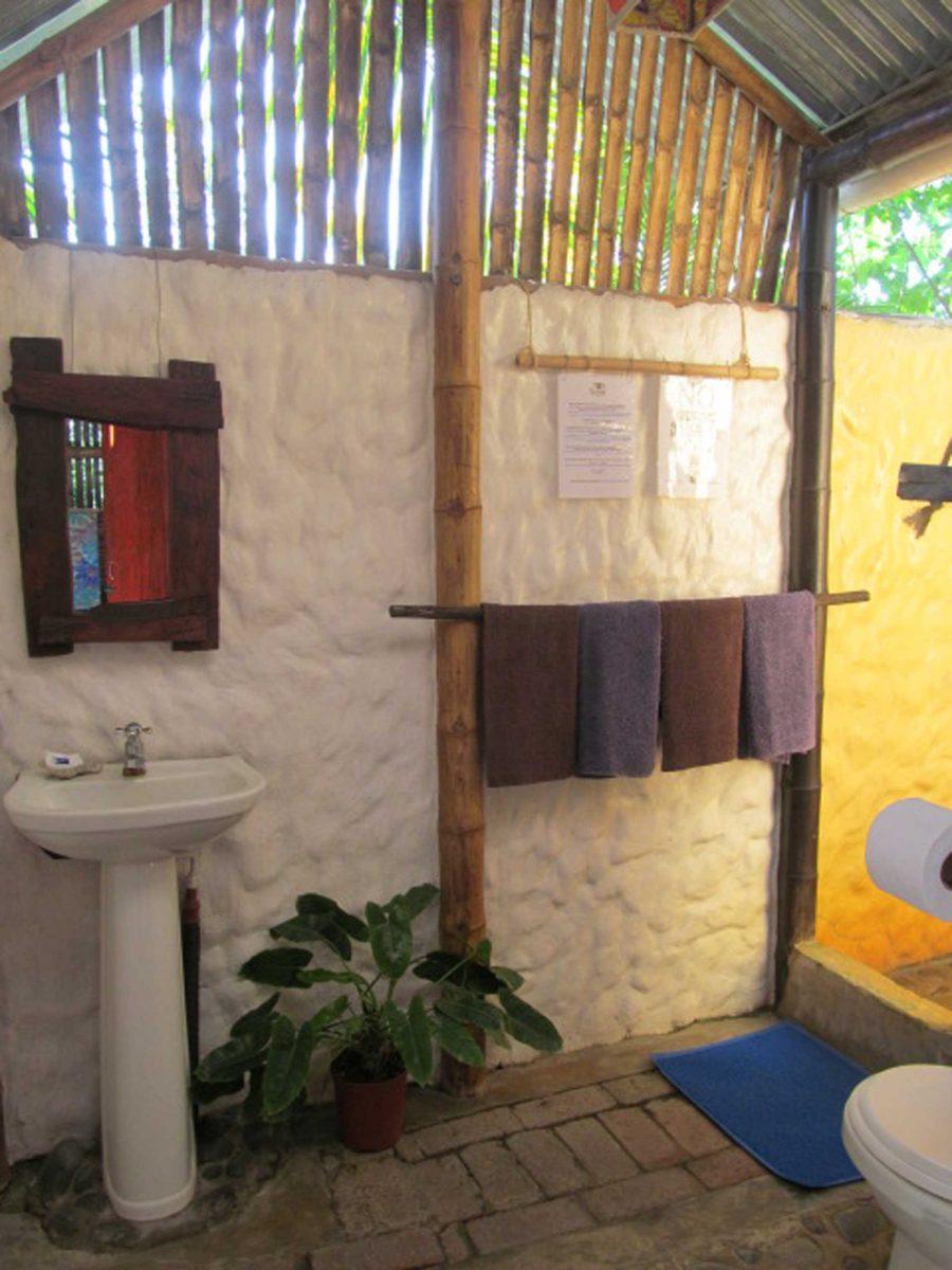 Bungalow Hostel The Mud House - Mompiche, Ecuador